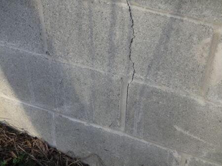 Cracks AAC Block